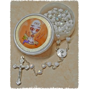 http://monticellis.com/200-242-thickbox/communion-moonstone-rosary-little-hearts-aurora-borealis-simple-link-6mm-white-with-communion-rosary-box.jpg