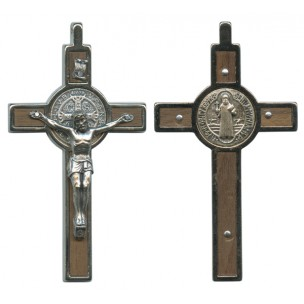 http://monticellis.com/2665-2847-thickbox/stbenedict-wood-crucifix-cm8-3-boxed.jpg
